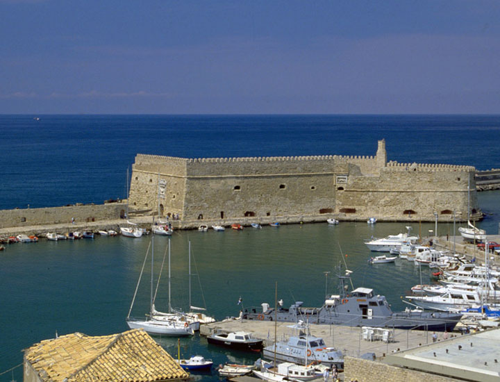 Crete/Heraklion: 10%-20% discount on passenger tickets – 10% on cars & moto